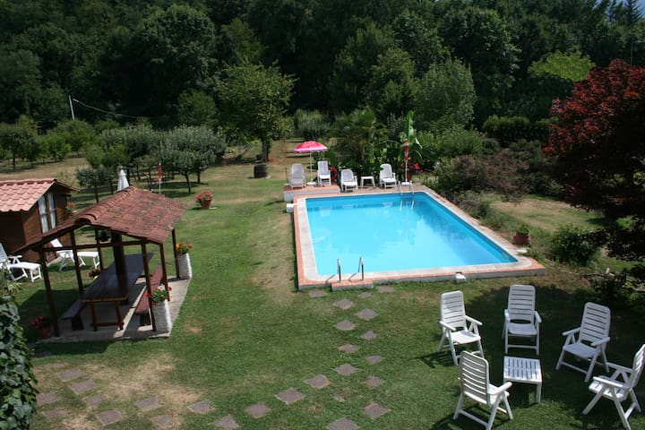 Casale i Girasoli: apt+ park & pool - San Pietro In Campo - Appartement