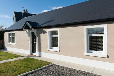 Country cottage beside the sea - Drogheda  - House - 1