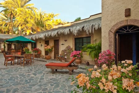 Cabana studio in town of Loreto - Loreto - Bungalo