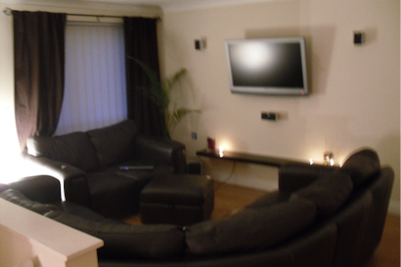 Modern, clean and v.cool 2 bed flat - Jarrow