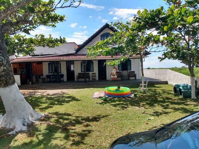 Casa de frente pro mar 🌅🏠