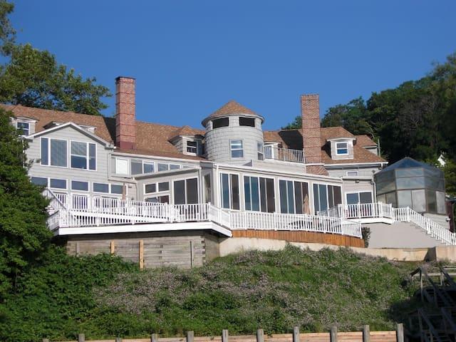 Stunning Beach Property - Highlands - Hus