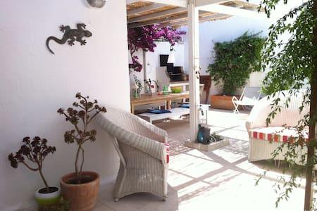 Pinewood House - Conca Specchiulla - Hus