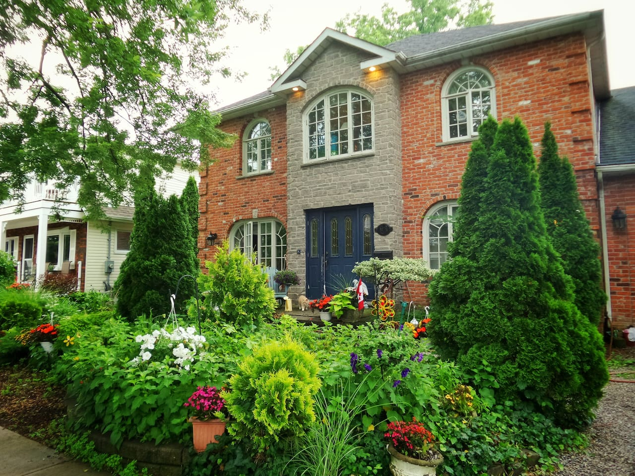 Large home in the heart of Port Dalhousie