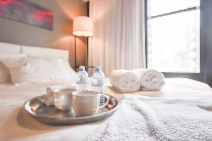 Studiossimo deluxe stay downtown montreal city