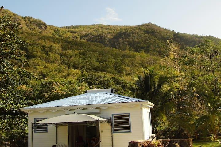 Entre mer et montagne : le bungalow rêvé TI REZIN