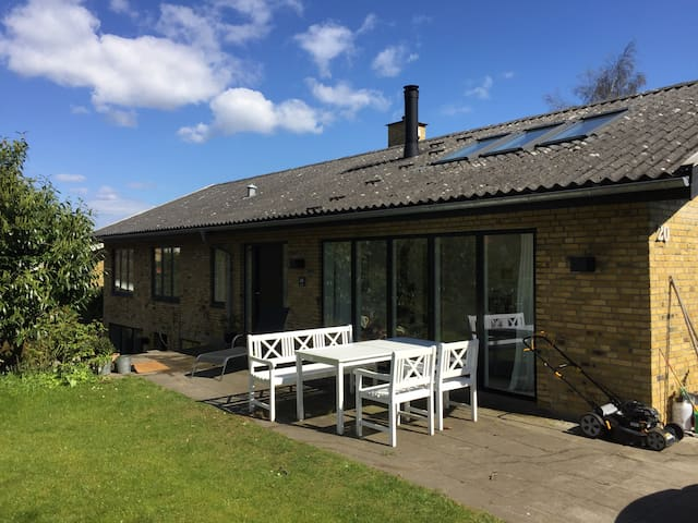 Family House close to the sea - Middelfart - Huis