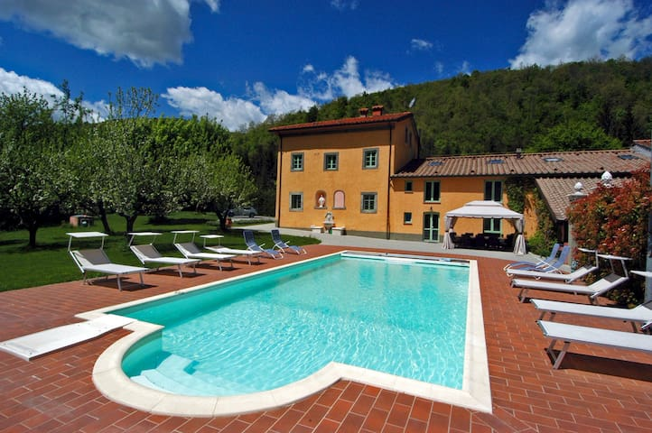 Villa Le Panche - Heated Pool, Spa - Pistoia