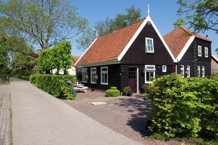 Voorhuisje island De Woude. 4 - 6 guests