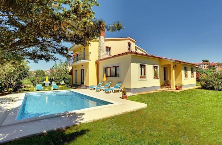 Enchanting villa with a big pool
