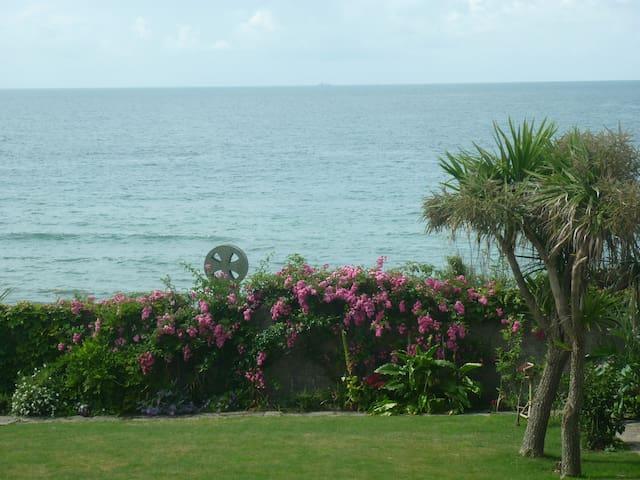 Beach side apartment, sea  views - Torpoint - Pis
