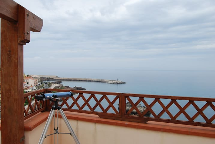 Apartment overlooking the sea - Castelsardo - Huis