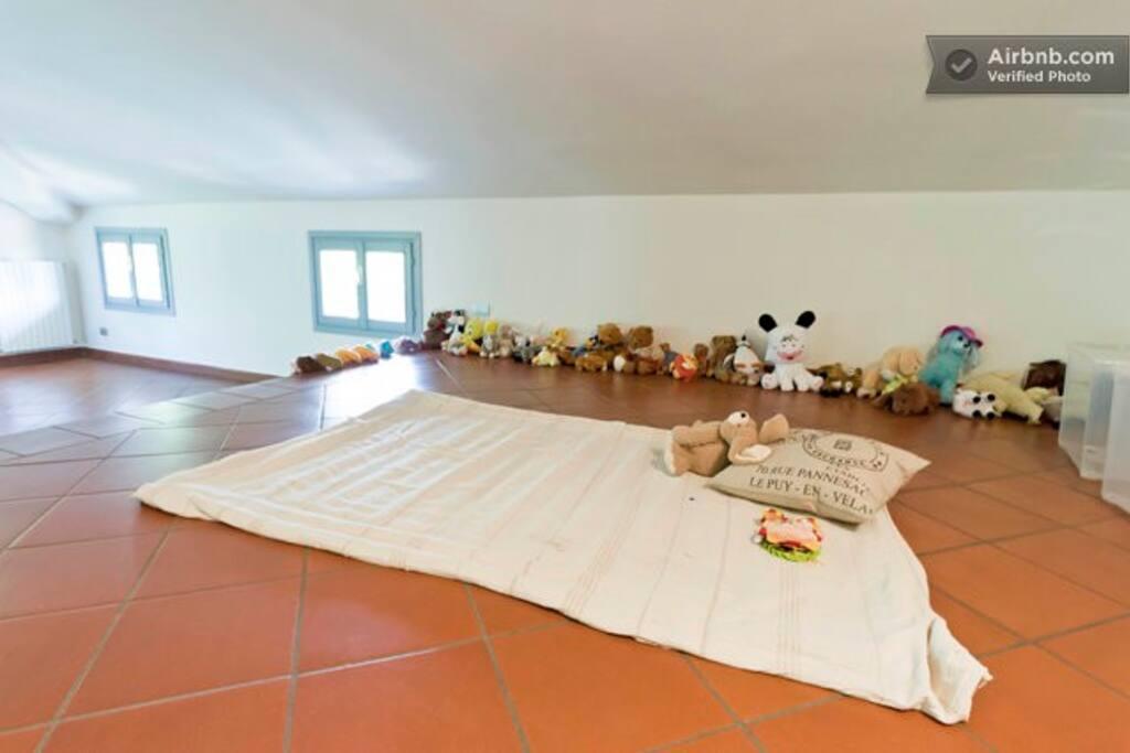 14 posti letto in mansarda in villa antica e parco - Posto letto reggio emilia ...