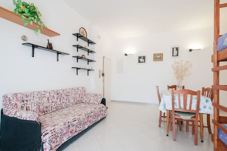 holiday apartment next to the sea - Bisceglie
