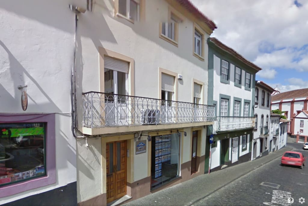angra do heroismo single parents 5 min drive or 30 min walk from city-center of angra do heroismo 200 meters from the  2 single beds bedroom 2 1  more places to stay in angra do heroísmo.
