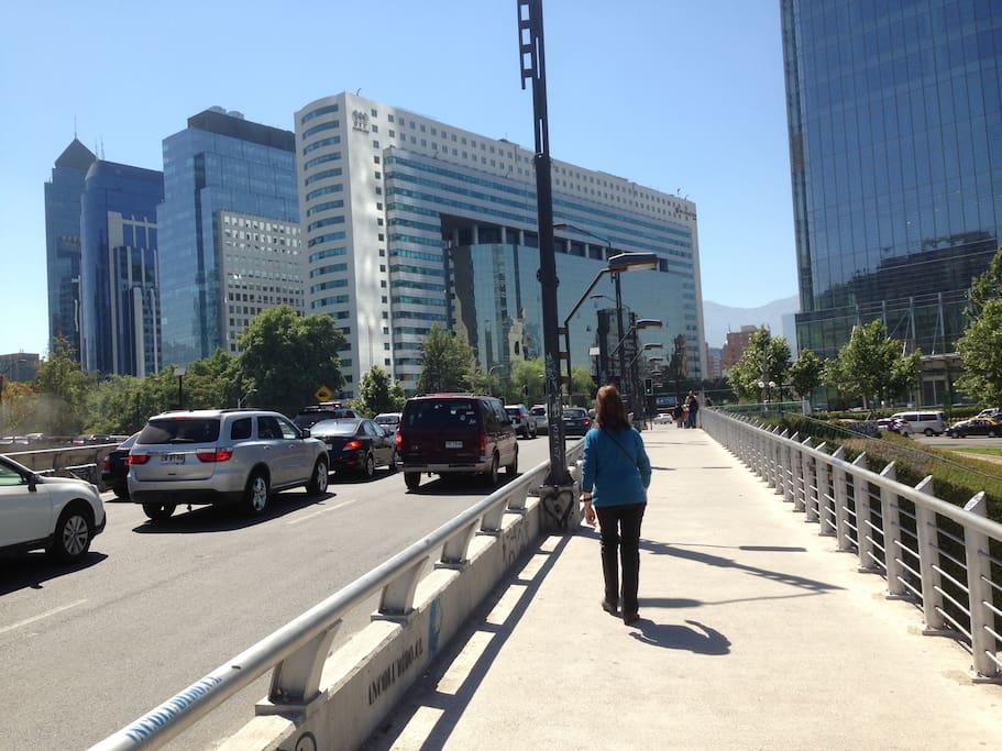 Puente camino al Mall