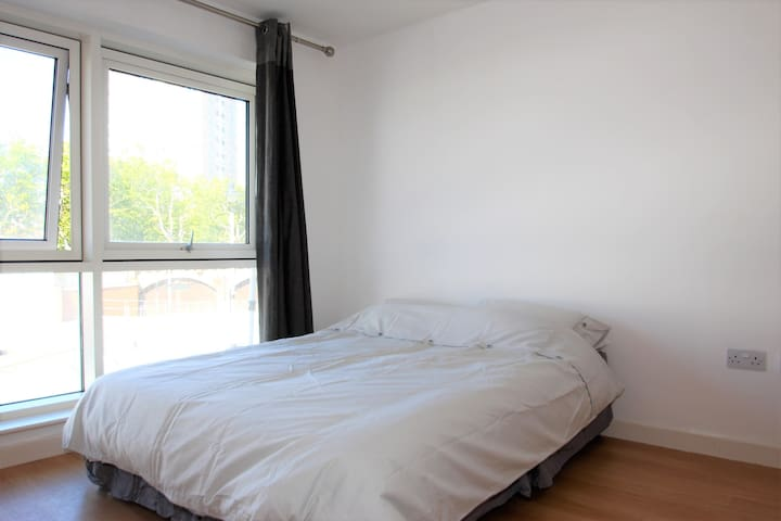 Modern Studio apartment in Gunwharf Quays