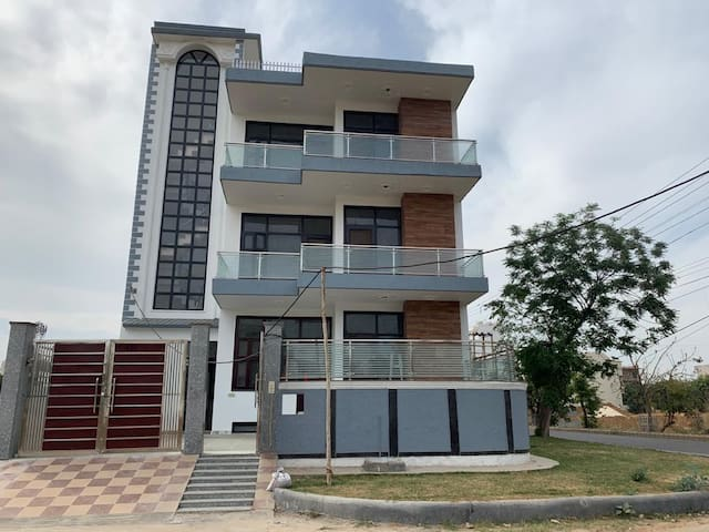 Comfortable home with all facilities around