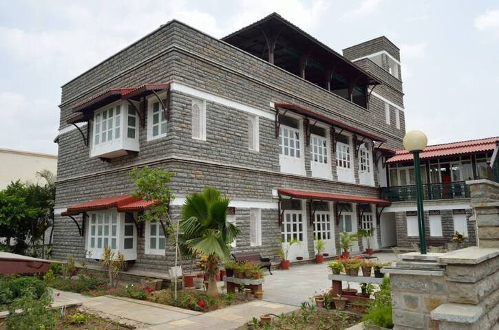 Sajjan Niwas- A Home Stay - Udaipur - Bed & Breakfast