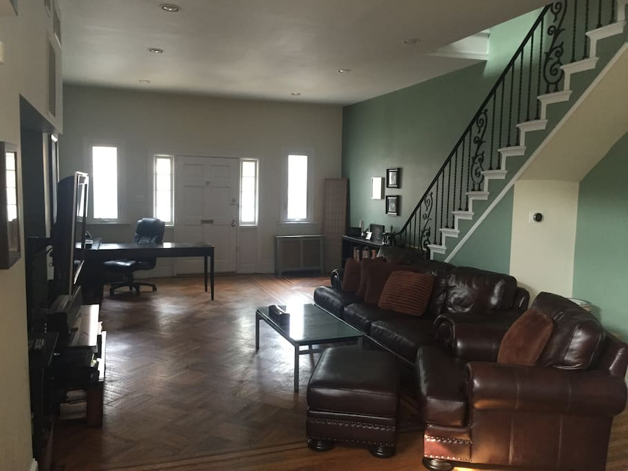 Large living room with WiFi, large HD TV, HBO, Cinemax, etc.