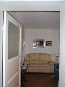 Appartamento a due passi dal centro - Salsomaggiore Terme - Huoneisto