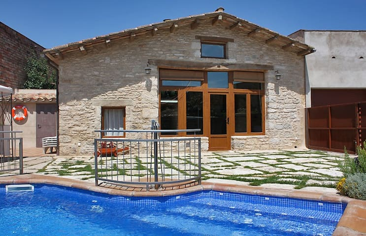Charming villa with private pool - Mata - Huis