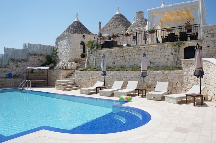 Trullo with swimming Pool in Puglia - Alberobello