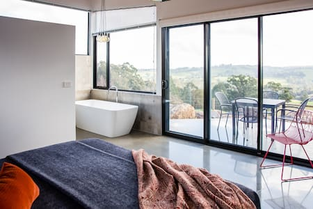 Vivere Retreat: 1 Bed Villa with Mountain Views