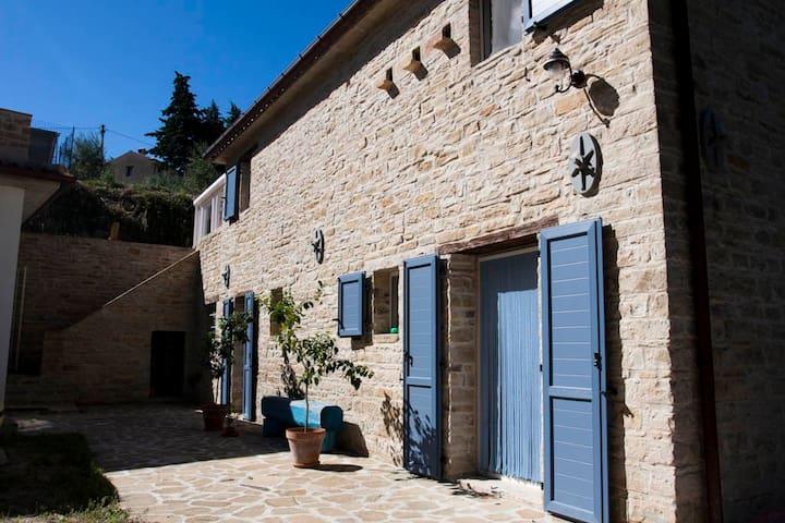 LA Casa del Cinghiale - Serra San Quirico - House