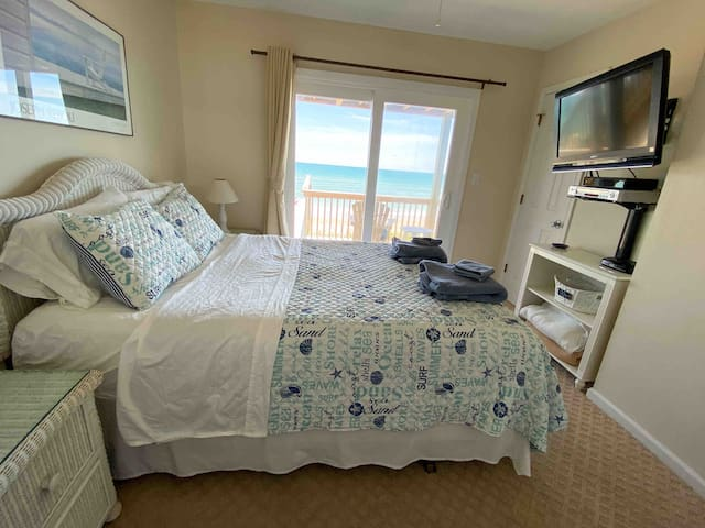 Wake up to an ocean view in the master suite