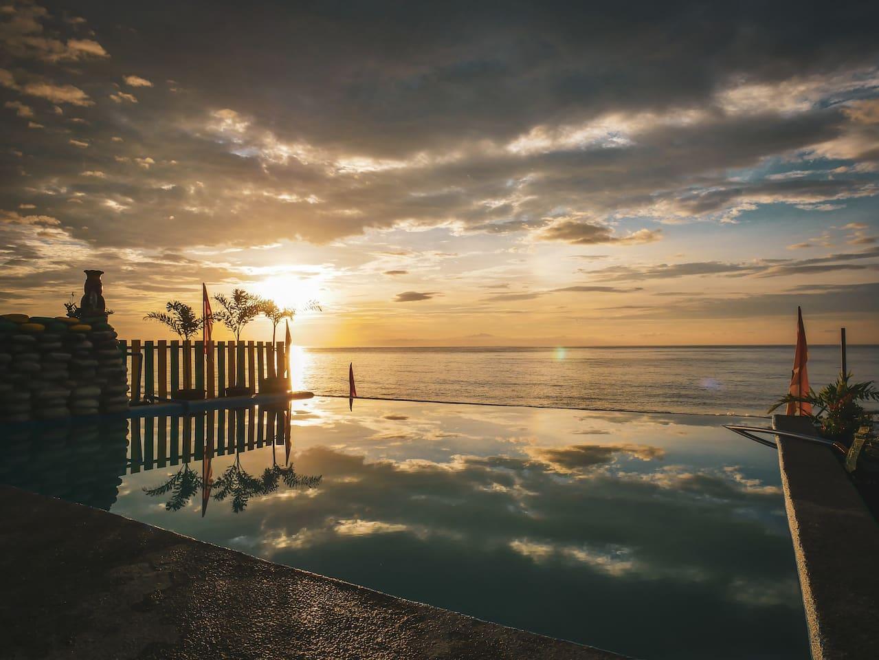 Infinity Pool - Sunrise