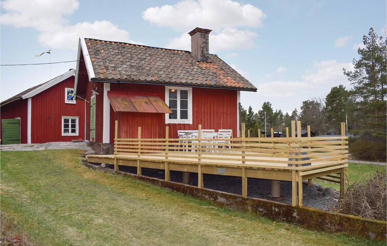 Holiday cottage with 1 bedroom on 40 m² in Vikbolandet