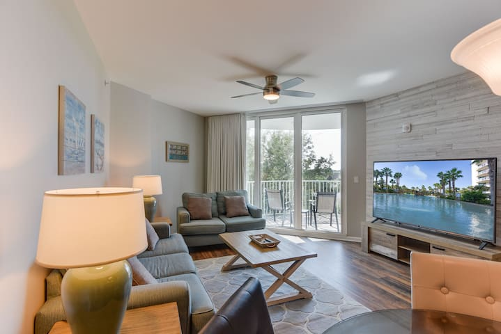 "Pool paradise with 75"" TV - The Palms of Destin"