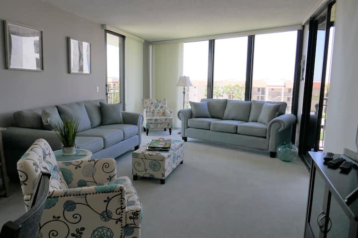 Beautiful Condominium Steps Away from the Ocean