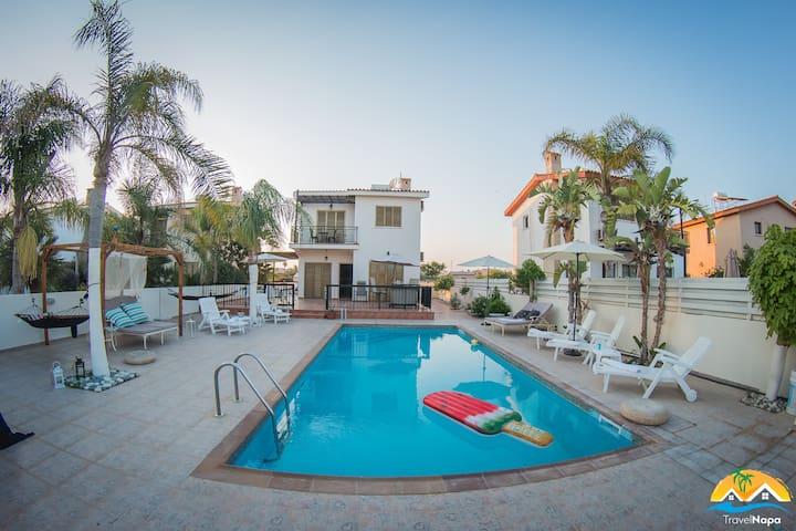 Villa Niki⛱50 mtrs from beach⛱Near Nissi Beach