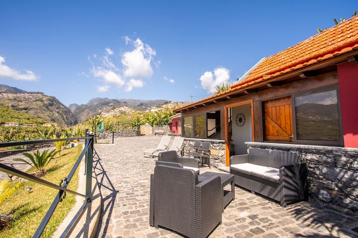 Funchal Charming Villa with Terrace