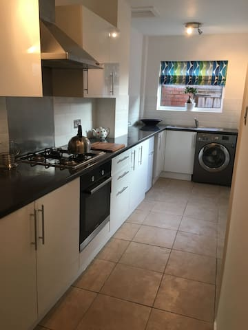 3 Bedroom self catering house sleeps 6 - Wallasey - Rumah