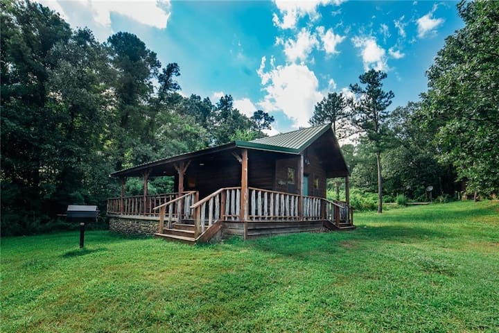 Caddo Cabin Perfect getaway cabin for a small group on a budget!