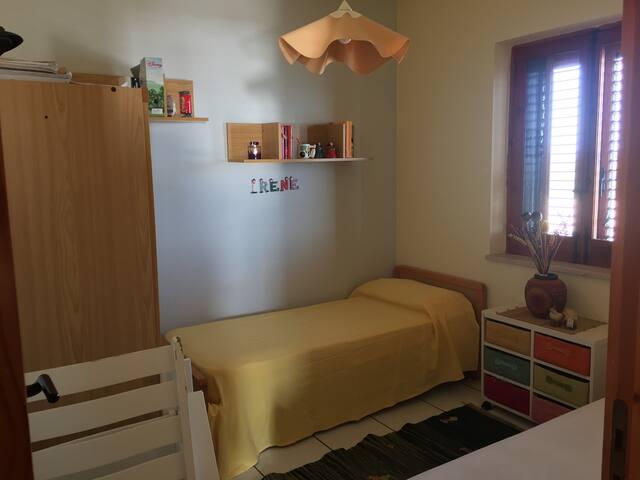 Camera da letto con n. 2 letti singoli