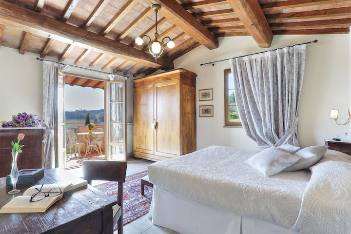 big double bedroom on the second floor with terrace with panoramic view (bedroom n. 5)