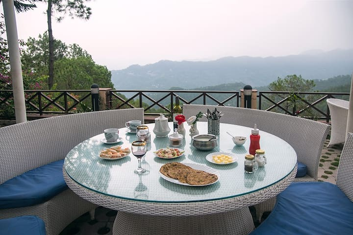 ❤Luxurious 3BR w/ Garden+BKFST+Chef+BBQ@Kasauli❤