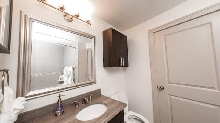 Meticulously designed 3BD, professionally-cleaned