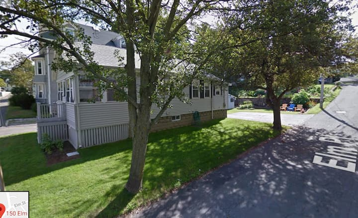 Bungalow in Downtown Marblehead