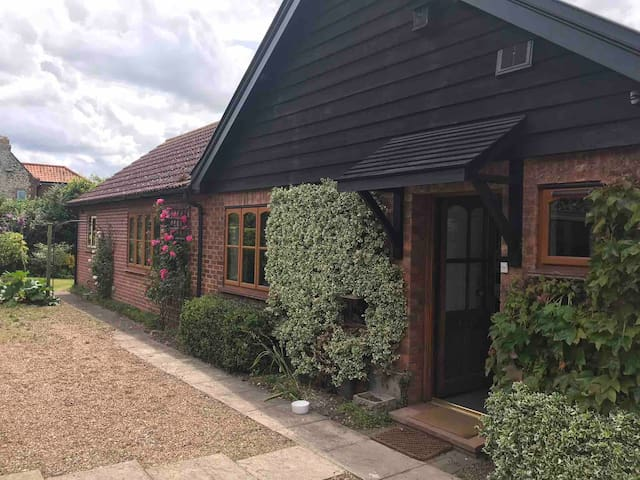 Lovely cottage Cley next the Sea, N. Norfolk