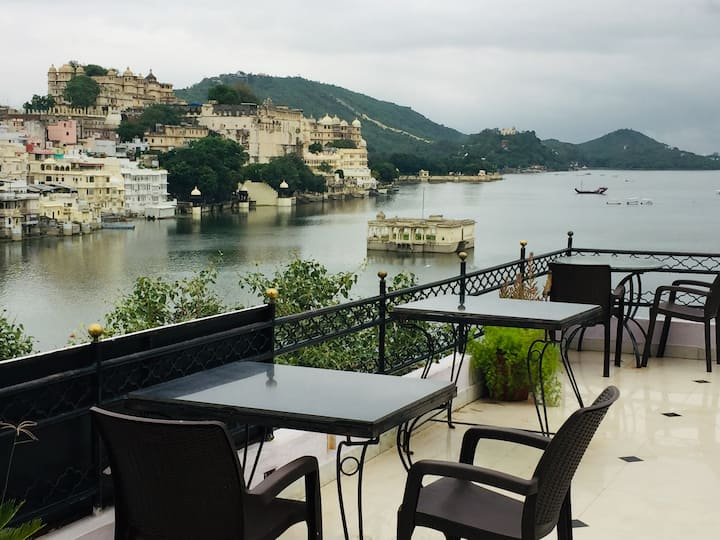 Cafe Pichola & Home Stay