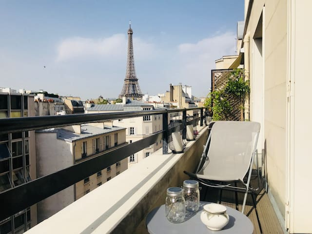 One bedroom flat - Eiffel Tower view and terrace
