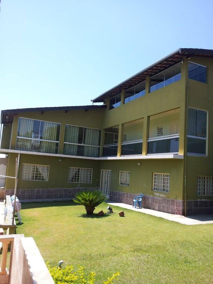 Linda Casa de Campo para Temporada em Atibaia,SP