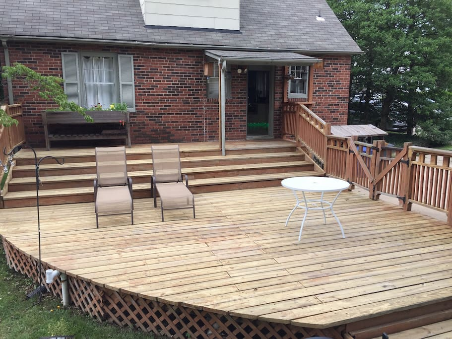 A great deck in the back yard to relax on.