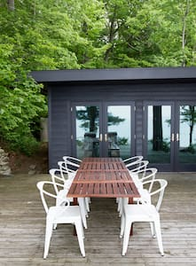 Private Lake MI Beachfront Cabin - Coloma - Talo