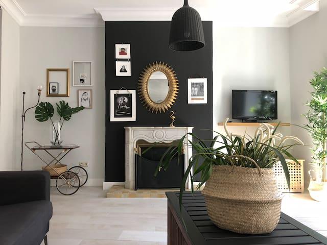 Bali habitación privada en apartamento de lujo